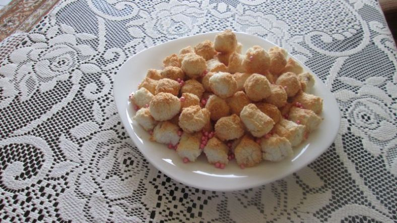 3 - кокосови сладки